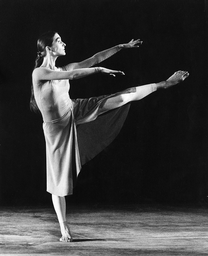 (GERMANY OUT) Bausch, Pina *27.07.1940-30.06.2009+ Choreographer, dancer, Germany Artistic director of the Tanztheater (Dance Theater) Wuppertal dancing the 'Songs of encounter' of the Folkwang Ballet, Academy of Arts, Berlin (Photo by Binder/ullstein bild via Getty Images)