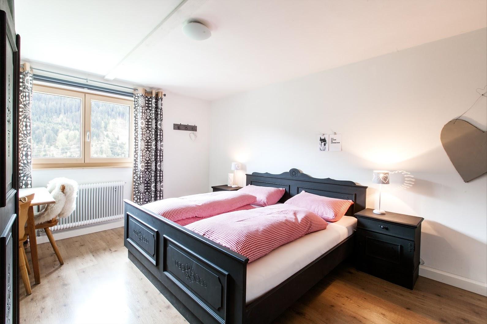 waldhaus-2e-etage-master-bedroom