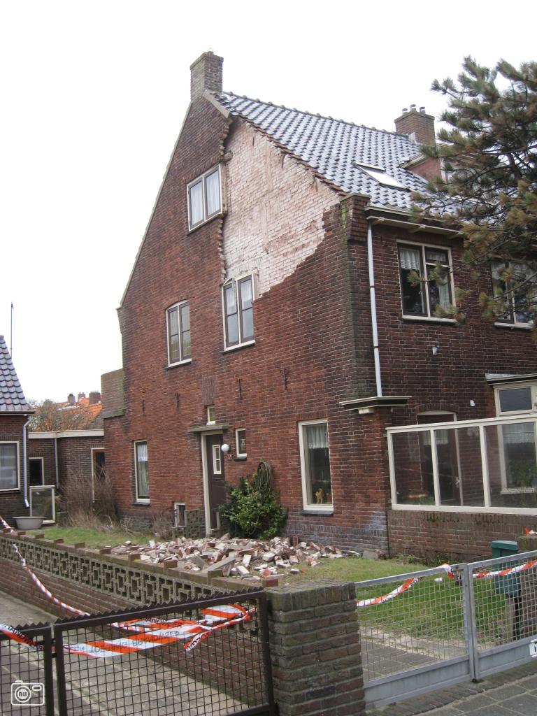 Storm blaast gevel uit huis in katwijk aan zee foto 43338 de laatste nieuwsfoto 39 s - Huis gevel ...