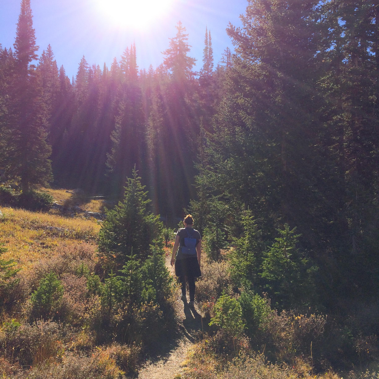 Tammy Strobel hiking_Photo by Heidi Larsen kopie