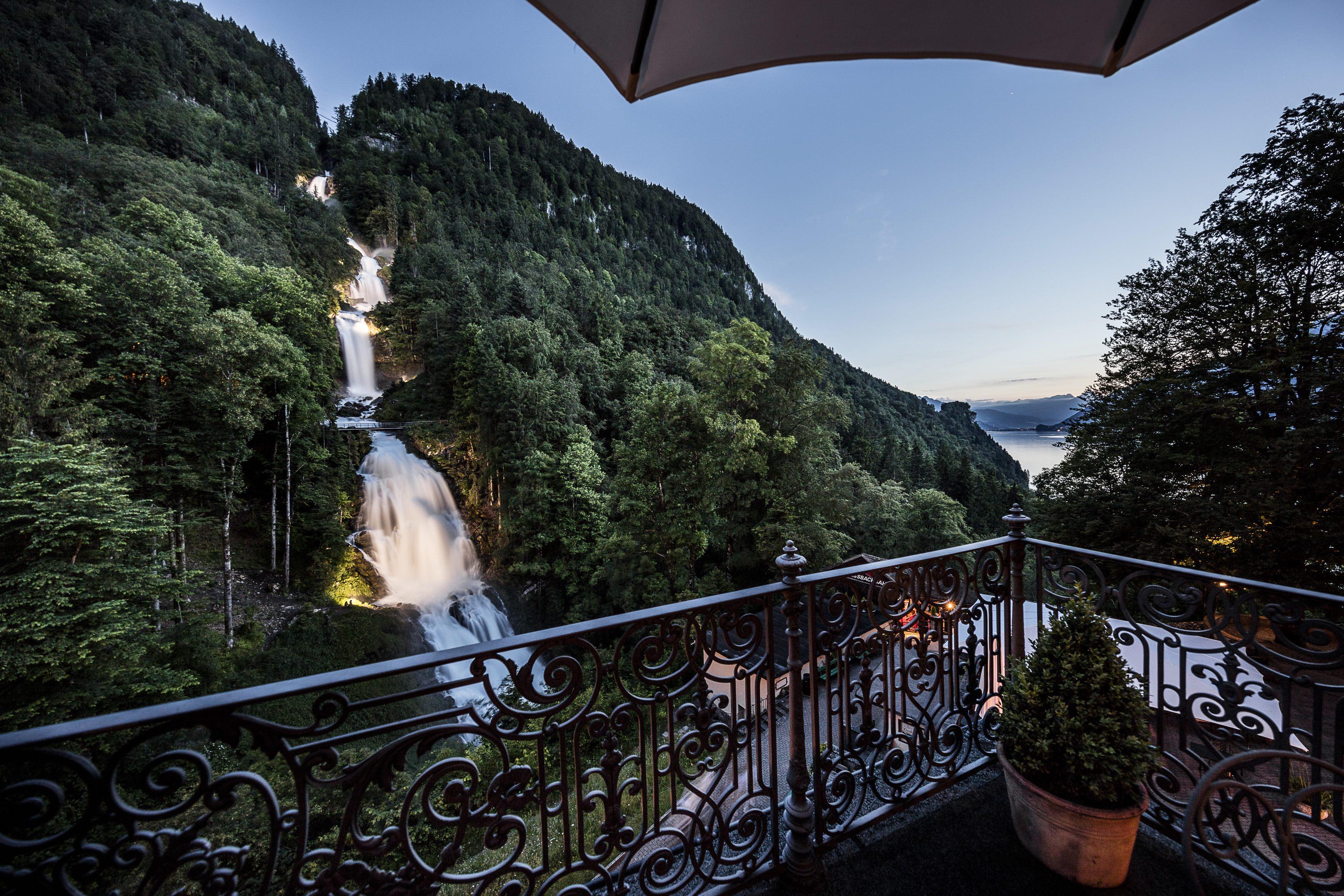 Bildergebnis für hotel giessbach wasserfall