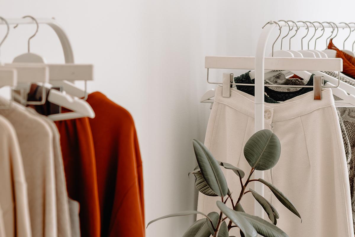 Boekentip voor een duurzame kledingkast: A sustainable wardrobe