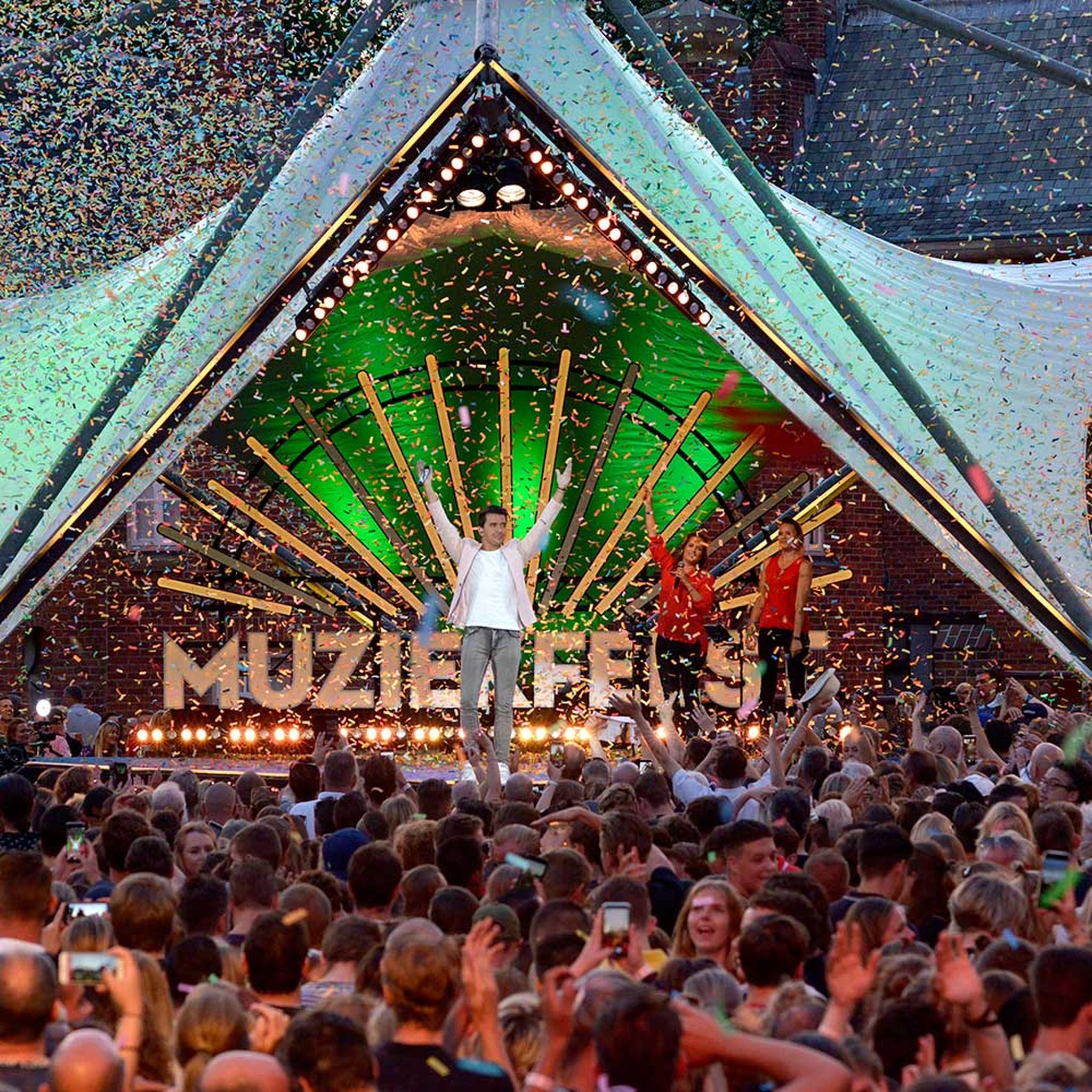 Sterren Muziekfeest op het plein