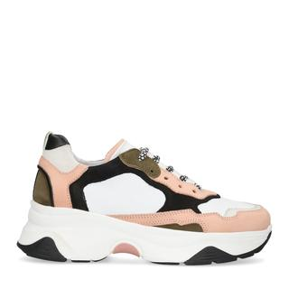 Witte REEBOK Sneakers CLUB C 85 WMN in 2020 Zomeroutfits