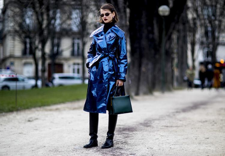 Waarom jij vanaf nú een metallic blauwe jas wil hebben