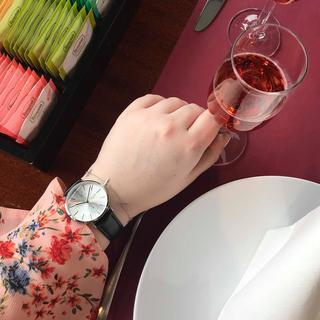 horloge met een zwarte band
