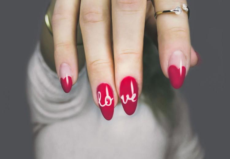 Dit zijn dé musthave nagellakjes voor de feestdagen