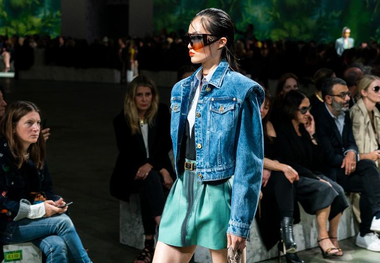 Alle jassen trends van de lente en zomer op een rij