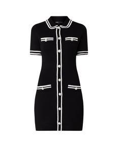 Fijngebreide mini-jurk met kraag en sierknopen