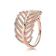PANDORA Rosé goud ring met veer