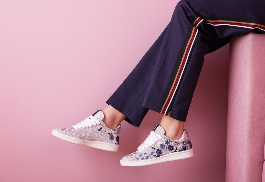 Omoda sneakers
