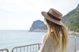 Sanoma dives into women's holiday habits