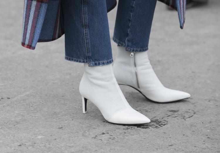 3 manieren om witte laarzen te dragen