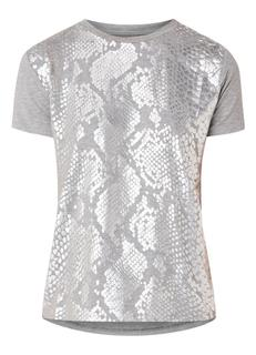 Loose fit top met metallic slangenprint
