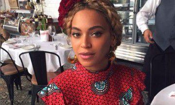 OMG: Beyoncé verkoopt feestelijke merchandise voor de Kerst