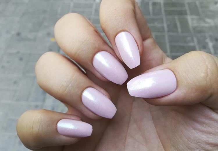 Met deze nagellak lijk je bruiner