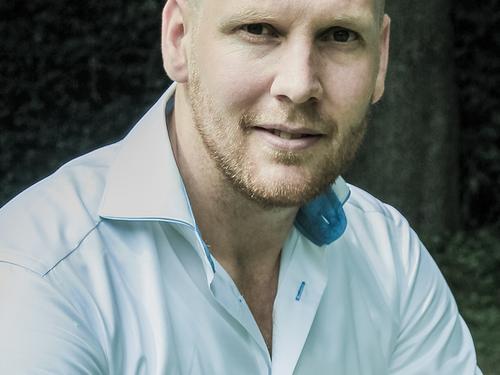 Accountmanager Jelte van Echtelt gaat voor een AMMA Award