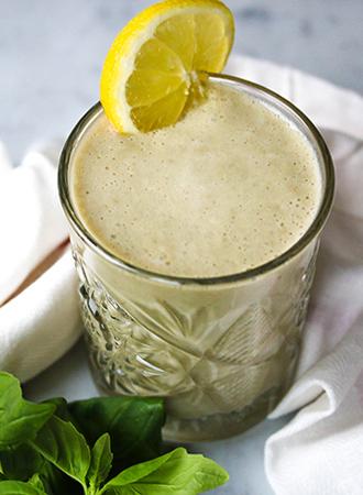 Vieruurtje: Frisse citroen basilicum smoothie