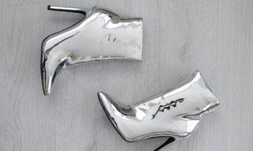 """Odette: """"Zo style ik metallic boots, dé trend van dit seizoen"""""""