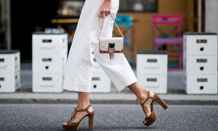 Zó zorg je ervoor dat je witte broek niet doorschijnt