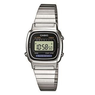 Retro horloge LA670WEA-1EF