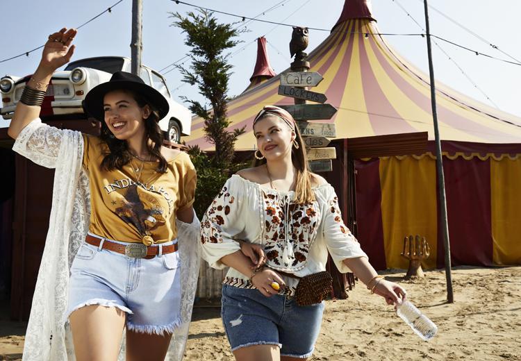 Van festival tot beachparty: hier scoor je de mooiste outfits