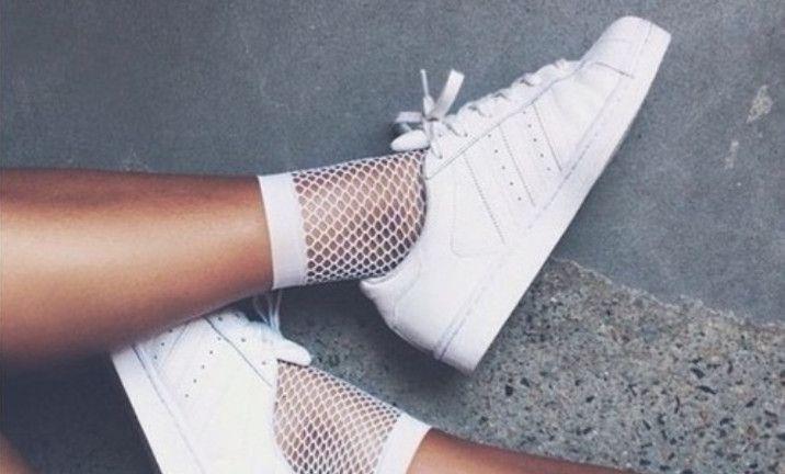 18x de leukste sokken die je boven je schoenen uit móet laten komen