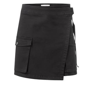 Wrapped cargo skirt