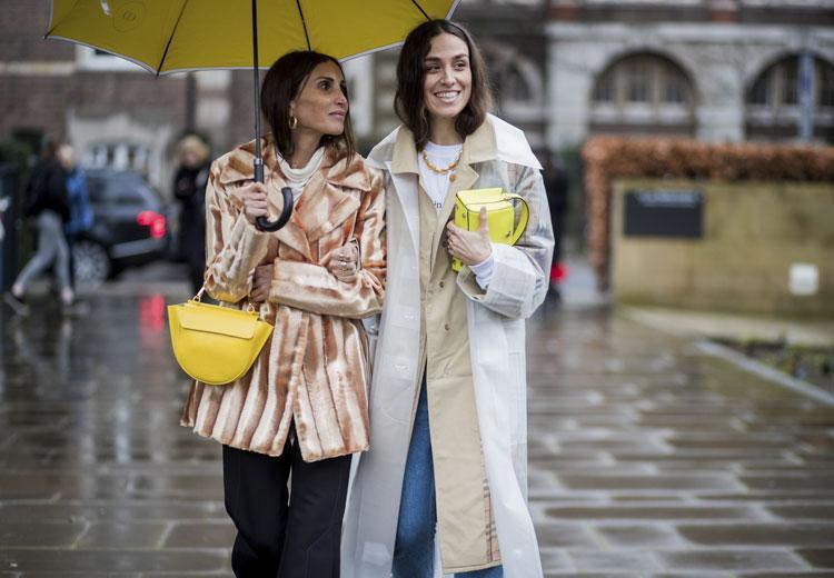 5 manieren om de regen in stijl te trotseren