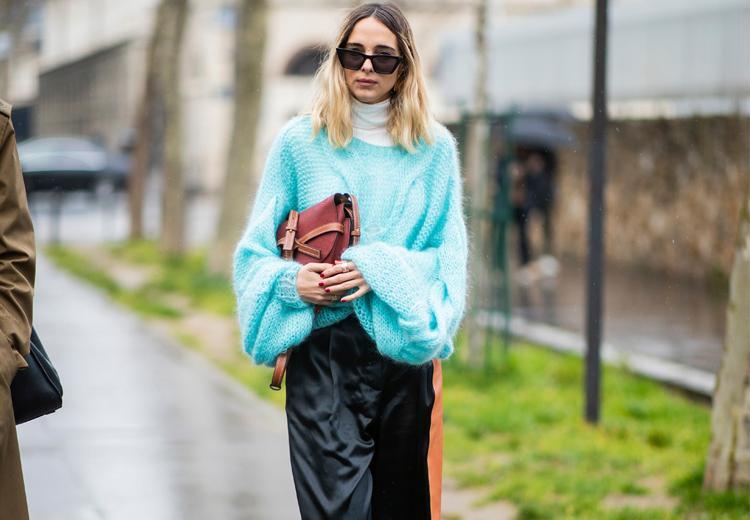 Deze lente draag je een trui in snoepkleur