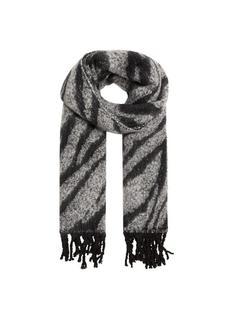 Gestreepte gebreide sjaal