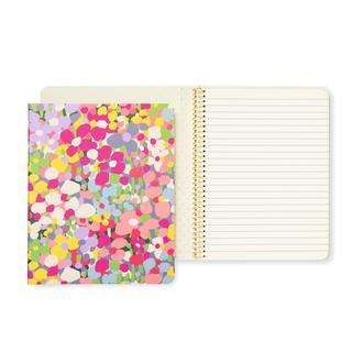 Notitieboekje met bloemen.