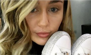 YAY: Miley Cyrus brengt sneaker collectie uit met Converse