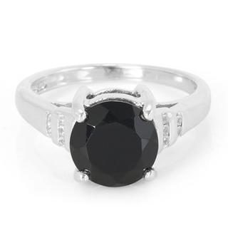 Zilveren ring met een onyx