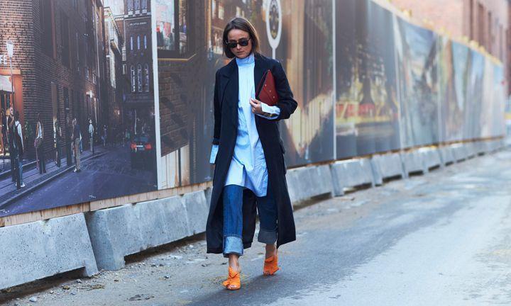 Mooi in een blauwe mantel
