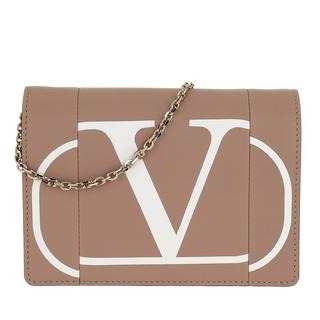 Tasche - V Logo Print Chain Clutch Leather Rose/Bianco in roze voor dames