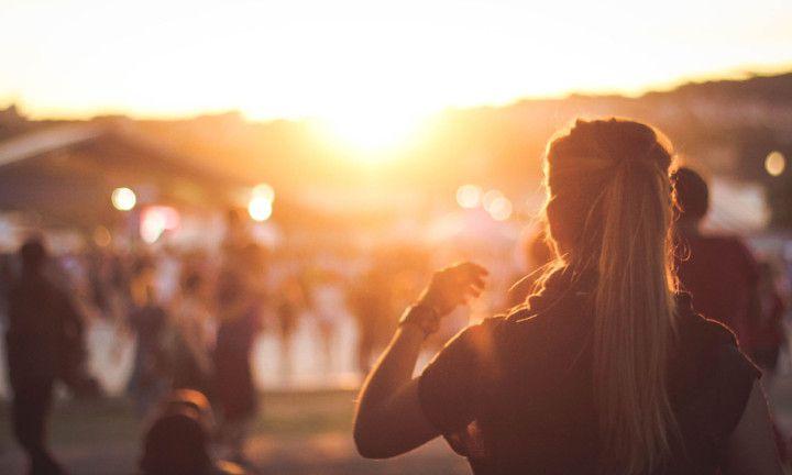 Deze 7 types herken je sowieso op festivals