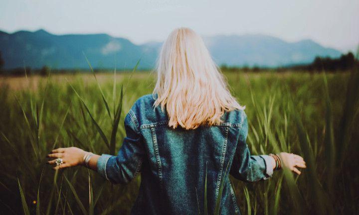 Deze 6 haarstruggles herken je zeker als je blond haar hebt