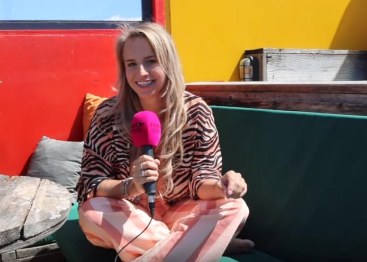 Covergirl Dee over vakanties & self-love