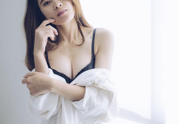 Kledingtips voor grote borsten