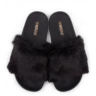 The White Brand Slippers Black Fur Zwart