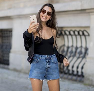 Onderzoek wijst uit: selfies zijn slecht voor je huid