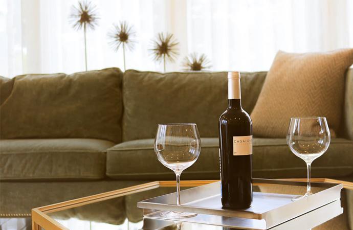 Drankhangen: thuis drinken in je lingerie is de nieuwste lifestyletrend