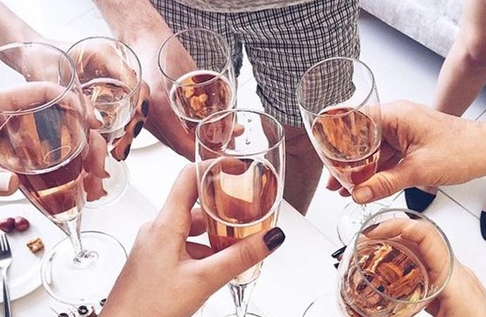 OH YES! ER KOMT KATERVRIJE ALCOHOL OP DE MARKT
