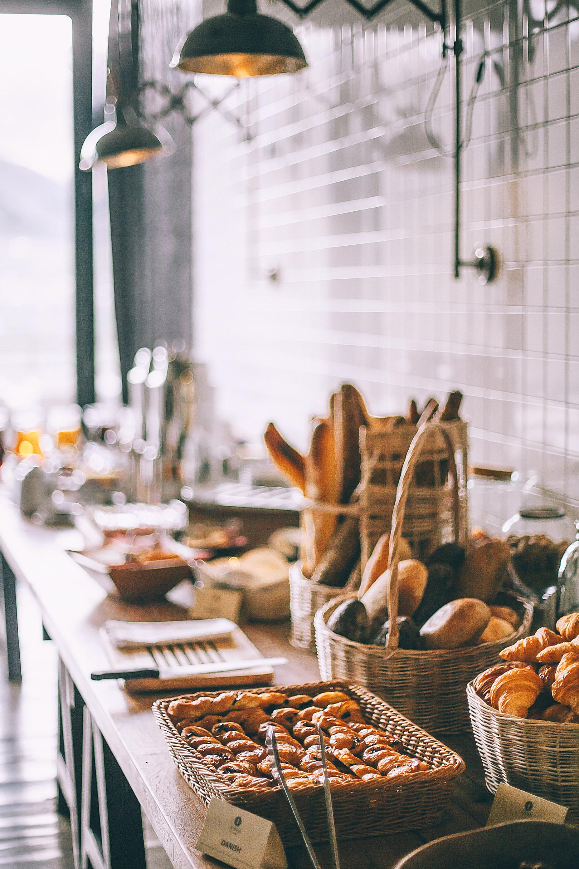 Je eigen brood bakken gaat voortaan gemakkelijk met behulp van dit boek