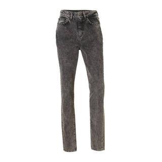 mom jeans met studs