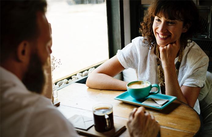 12 gedachtes die je hebt bij een eerste date