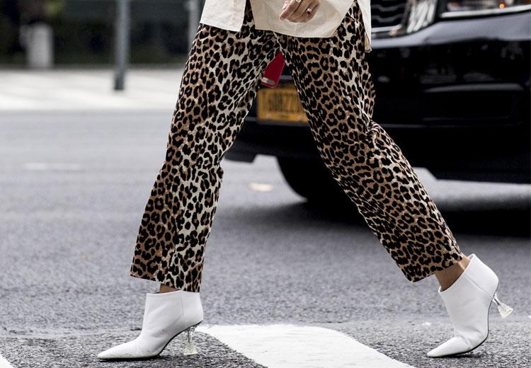 Zo draag je de luipaardprint broek
