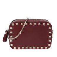 Valentino Schoudertassen - Mini Rockstud Camera Crossbody Bag Red in rood voor dames